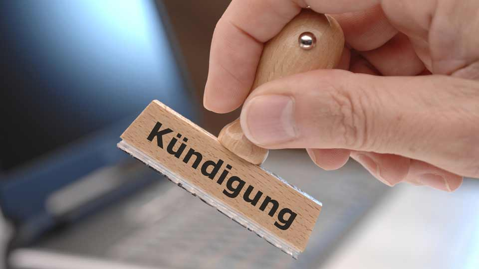 Die Wirksamkeit der fristlosen Kündigung einer Mitarbeiterin in einem Seniorenheim in Itzstedt wird derzeit vielfach diskutiert.