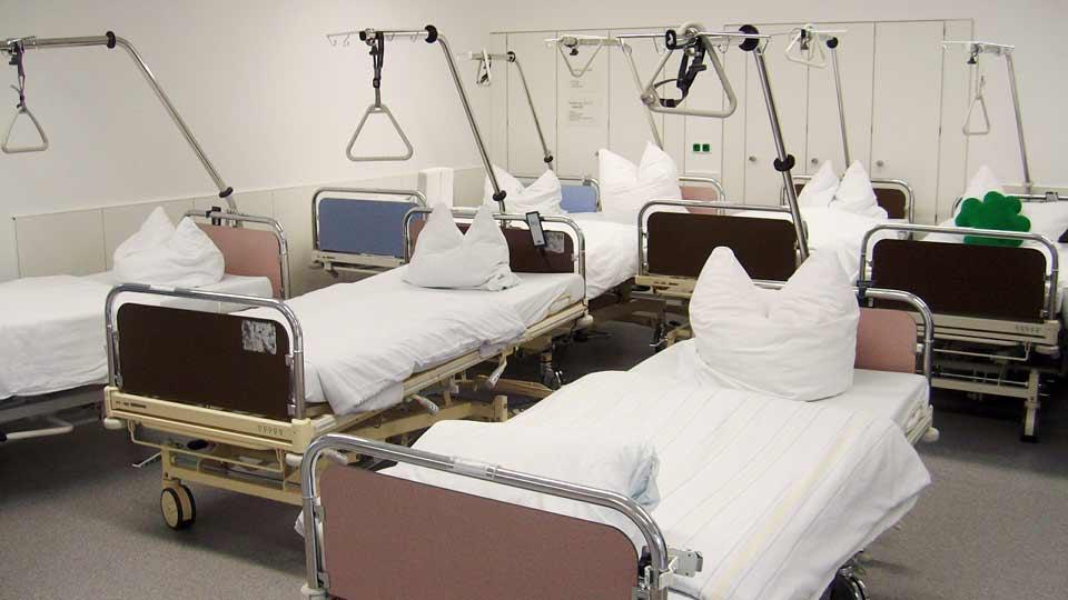 Aufbereitete Patientenbetten