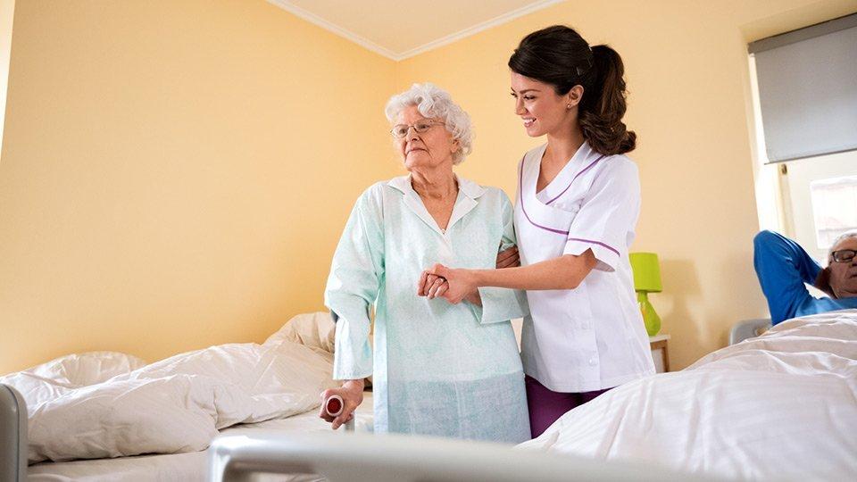 Eine dauerhafte Überwachung oder gar Fixierung von Patienten ist in vielen Fällen nicht notwendig - im Gegenteil: Vielmehr sollen sie in ihrer Mobilität gefördert werden.