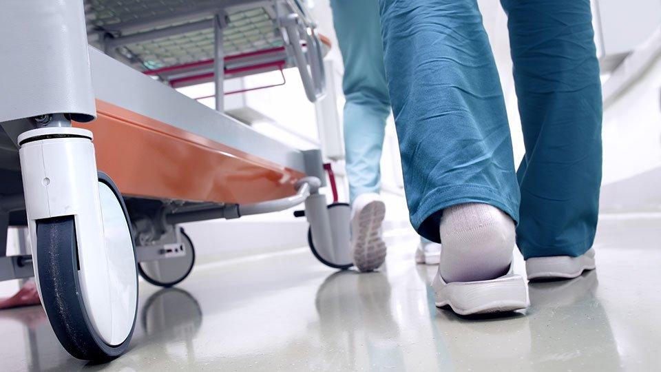 Die Pflegegewerkschaft BochumerBund (BB) fordert das niedersächsische Sozialministerium auf, die mit einer Allgemeinverfügung geänderten Arbeitszeitregelungen umgehend wieder außer Kraft zu setzen.