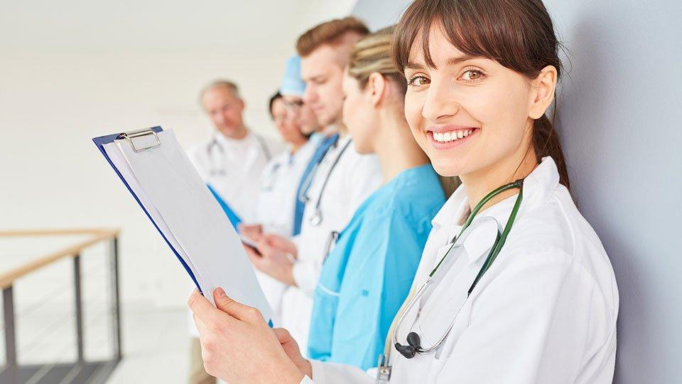 Ein Manifest mit zehn Grundregeln soll zur Verbesserung der interprofessionellen Zusammenarbeit im Krankenhaus beitragen.