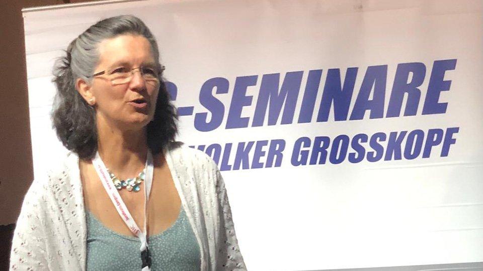 Dr. Erika Mendoza